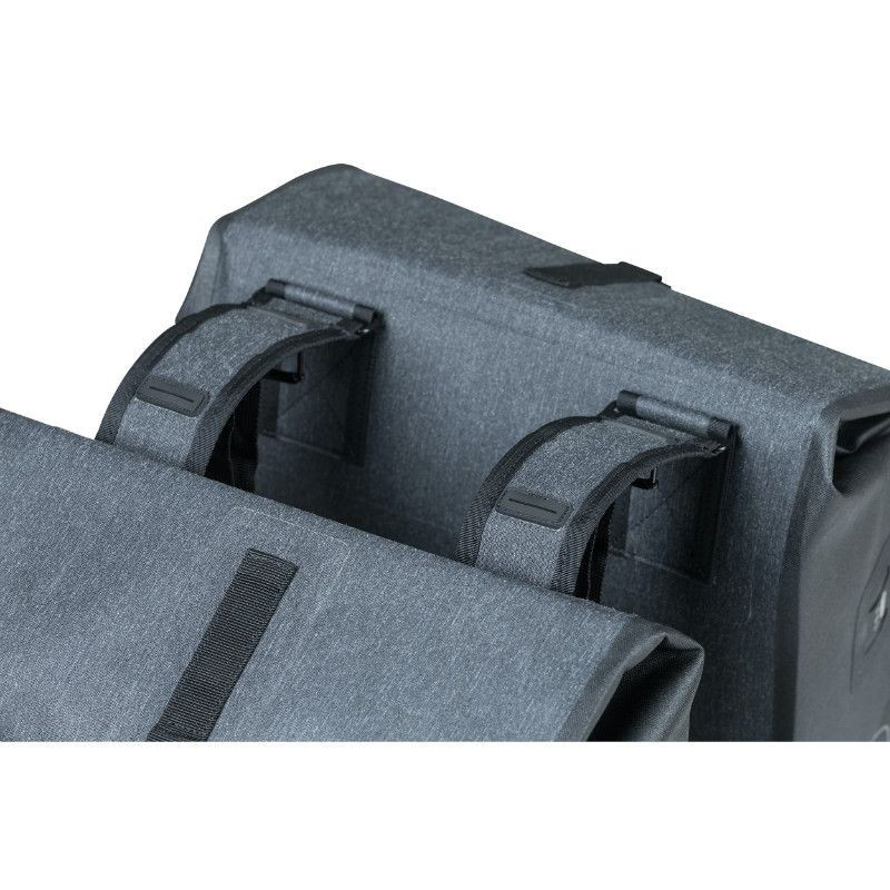 SACOCHE ARRIERE VELO DOUBLE BASIL URBAN DRY 48L CHARCOAL GRIS ANTHRACITE 100% WATERPROOF
